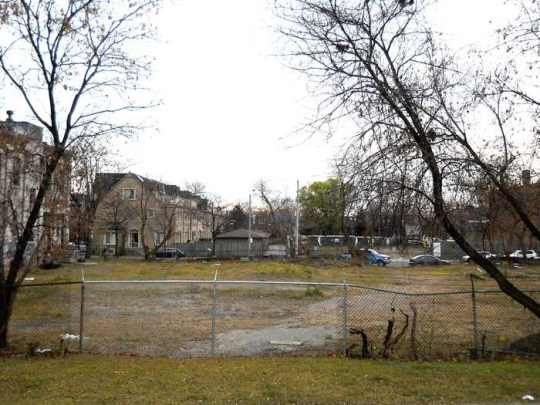 Help turn this space into the new Sorauren Town Square!