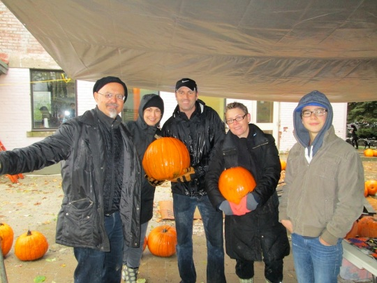Sorauren Park Pumpkin Sale volunteer crew