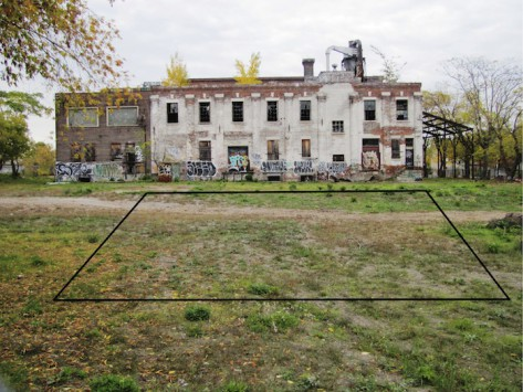 Photo of gravelly field in front of the old linseed factory on Wabash Avenue beside Sorauren Park